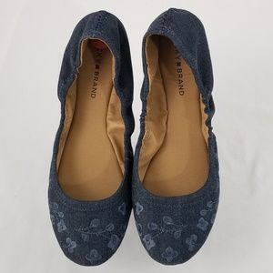 Lucky Brand flats embroidered 9.5 Blue